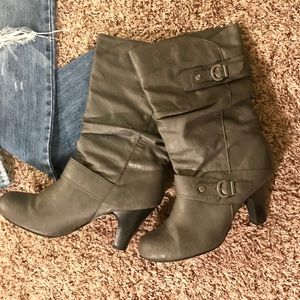 Shoes - Grey Faux Leather Buckle Heel Boots 8.5M
